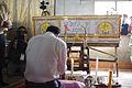 นายกรัฐมนตรี ร่วมเคารพศพและให้กำลังใจญาติผู้เสียชีวิตจ - Flickr - Abhisit Vejjajiva.jpg