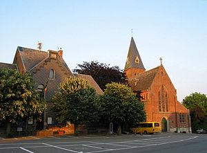 Ohey - Image: 0 Ohey Maison communale et église St Pierre