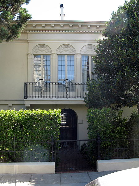 File:1055 Green St., Russian Hill-Paris Block Architectural District, San Francisco, CA 9-3-2012 2-37-00 PM.JPG