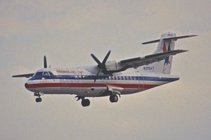12aw - American Eagle ATR 42-300; N325AT@MIA;31.01.1998 (8295865671).jpg