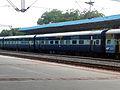 17202 Guntur bound Golconda Express at Aler 02.jpg