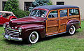 1947 Ford Super Deluxe woody front.jpg