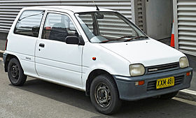 1991 Daihatsu Mira (L201) van (2011-11-08) 01.jpg