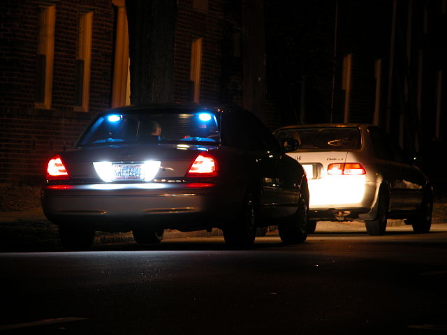 Traffic Stop in Durham by By Ildar Sagdejev (Specious) (Own work) [GFDL (http://www.gnu.org/copyleft/fdl.html) or CC-BY-SA-3.0-2.5-2.0-1.0 (http://creativecommons.org/licenses/by-sa/3.0)], via Wikimedia Commons