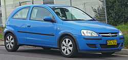 2004 Holden Barina (XC MY04) SXi 3-door hatchback (2010-06-17) 01.jpg