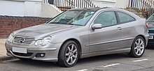 220px-2006_Mercedes-Benz_C220_CDi_SE_Automatic_2.1_Front.jpg