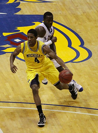 Darius Morris - Image: 20091219 Darius Morris of Michigan Wolverines Basketball against Kansas