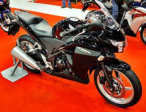 2011 Honda CBR250R black right Motosalon.jpg