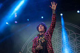 2014-06-05 Vainsteam Bring me the Horizon Oli Sykes 03.jpg