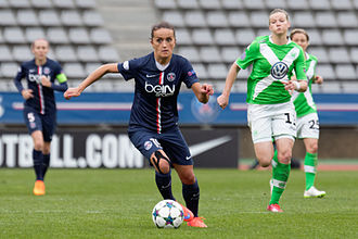 Fatmire Alushi - Alushi with PSG during a Champions League semifinal match against Wolfsburg.