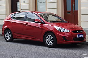 Hyundai Accent - Image: 2016 Hyundai Accent (RB4 MY17) Active hatchback (2017 07 15) 01