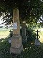 208. Rozběřice. Pomník rakouského plk. Franze Bergoua, velitele 30. pěšího pluku.jpg