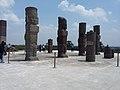 2 Atlantes de Tula y las piramedes. Tula, Estado de Hidalgo, México, también denominada como Tollan-Xicocotitlan.jpg