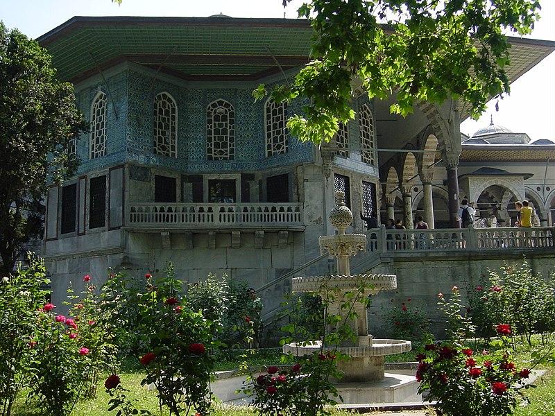 4315 Istanbul - Topkapi - Quarta corte - Revank%C3%B6sk%C3%BC (1635) - Foto G. Dall%27Orto 27-5-2006.jpg