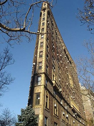 Rosario Candela - Rosario Candela's striking flatiron building at 47 Plaza Street West, Brooklyn, New York