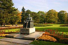 Пам'ятник І.Падеревському в Уяздовському парку (м. Варшава)