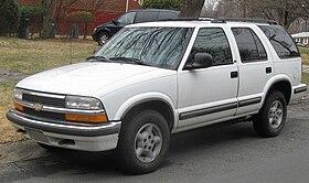 98-05 Chevrolet S-10 Blazer LS 4-door.jpg