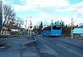 98-as busz busz a vasúti átjáróban, 2019 Rákosliget.jpg