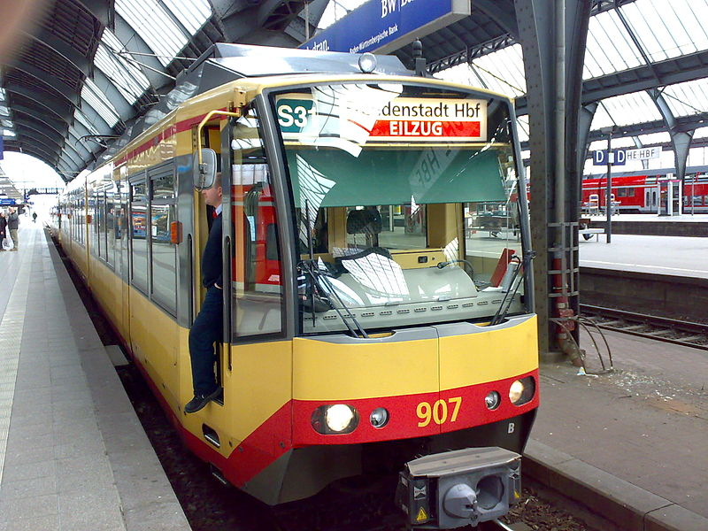 File:AVG GT 8-100D2S-M 907 am 10.03.2008 in Karlsruhe HBF.jpg