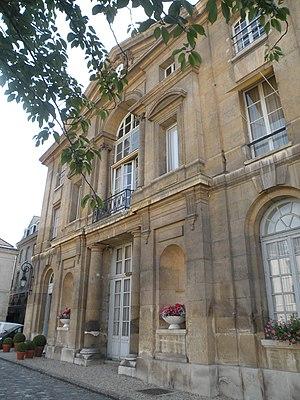 Pentemont Abbey - Image: Abbaye de Penthemont 2