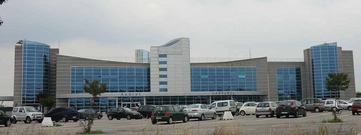 Aeroporto Italia : Aeroporto di cuneo levaldigi wikipedia