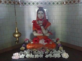 Lingayatism - An idol of Akka Mahadevi holding Ishta Linga in her left hand