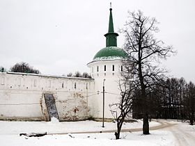 Alexandrov Kremlin tower 02 (winter, 2014) by shakko.JPG