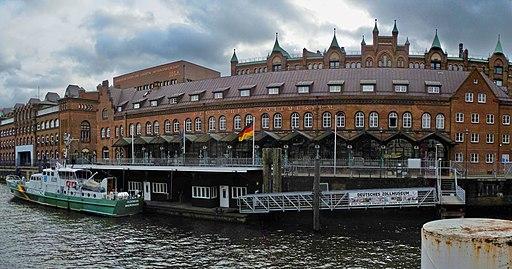 Deutsches Zollmuseum, Zollkreuzer Oldenburg und Zollabfertigungshalle am Zollkanal in Hamburg, Germany - panoramio (137)