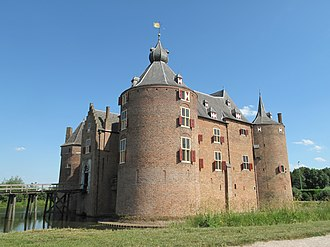 Ammerzoden - Image: Ammerzoden, kasteel Ammersoyen foto 3 2011 05 30 16.31