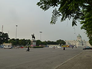 Royal Plaza (Thailand) - The Royal Plaza, with King Rama V Equestrian Monument and Ananta Samakhom Throne Hall