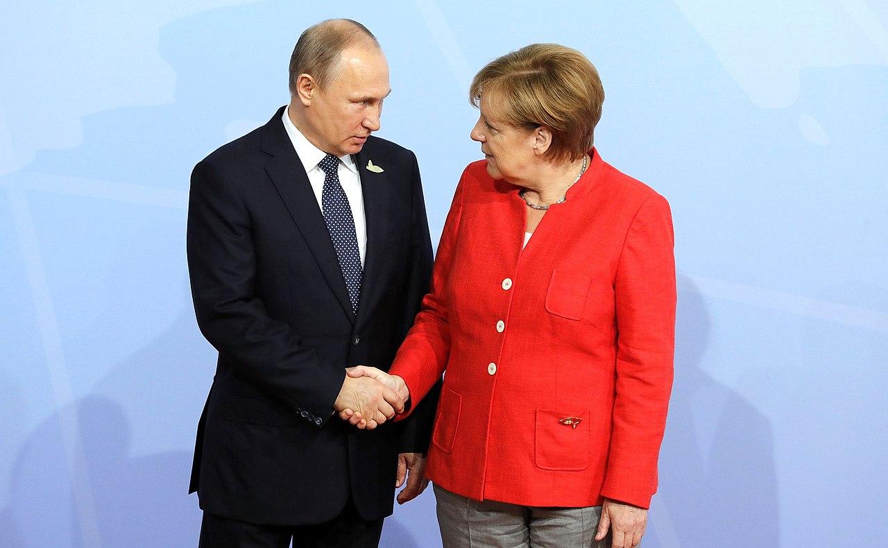 Angela Merkel and Vladimir Putin (2017-07-07).jpg