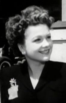 Anne Baxter in Miracle on 34th Street trailer.jpg