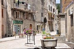 Annot, vieille ville.jpg