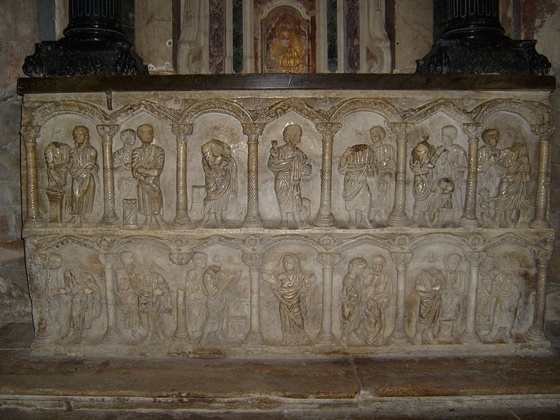File:Arles St. Trophime Church Sarcophagus.jpg