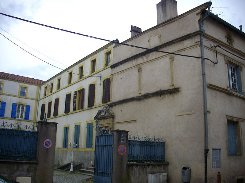 House at 42 Marechal Foch street in Ars-sur-Moselle (Moselle, France)