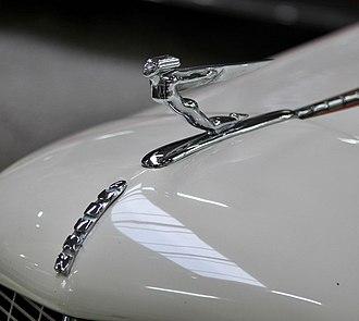 Auburn Automobile - Image: Auburn hood ornament