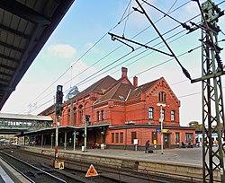 Bahnhof Harburg - panoramio.jpg