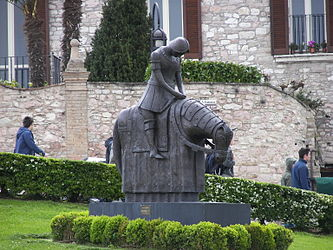 Basilica of San Francesco d'Assisi statue.jpg