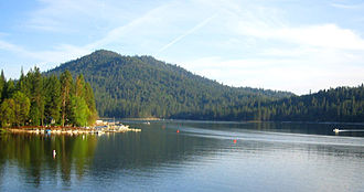 Bass Lake (Madera County, California) - Image: Basslake goatmountain