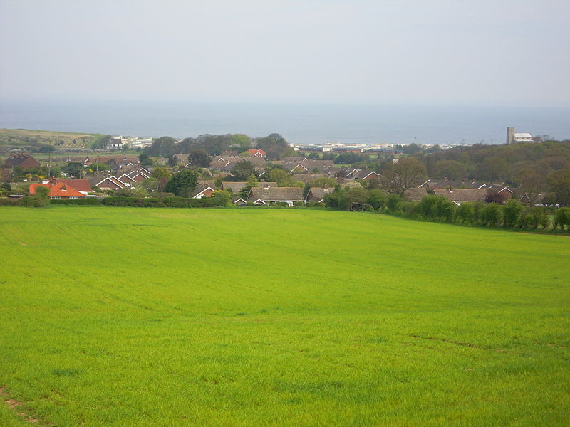 Ficheiro:Beeston Regis viewed from the south, Wednesday 28 April 2010.JPG