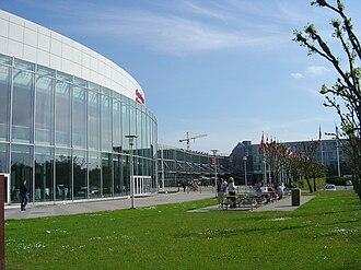 121st IOC Session - Image: Bella Center indgang vest
