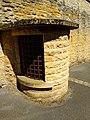 Belmont-d'Azergues - Ancien puits rue du Château (mai 2020).jpg