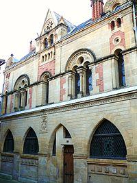 Belvès - Maison néogothique