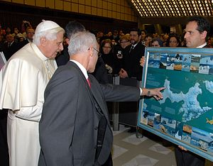 Antarctic Place-names Commission - H.H. Benedict XVI presented with the 2005 Bulgarian map of Livingston Island