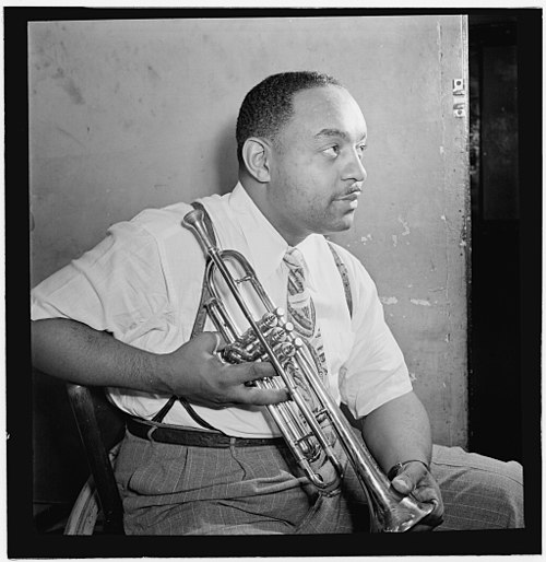 Portrait of Benny Carter, Apollo Theatre, New York City, c. October 1946 Benny carter loc.jpg