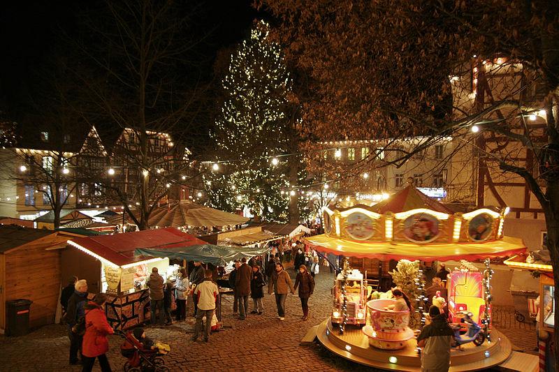 Datei:Bensheim Marktplatz Weihnachten 02.jpg