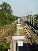 Berlin - Karlshorst - S- und Regionalbahnhof (9498411946).jpg