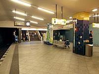 Berlin - U-Bahnhof Turmstraße (9487894607).jpg