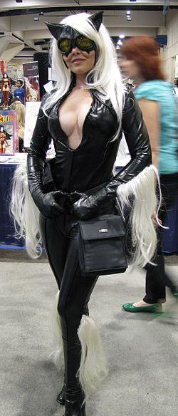 Black Cat Comic Con.jpg