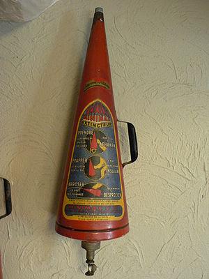Minimax Limited - A Minimax extinguisher